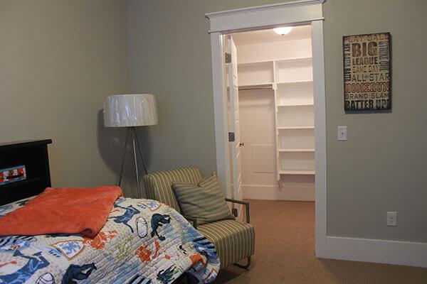 How to Design a Basement Bedroom Walk-In Closet